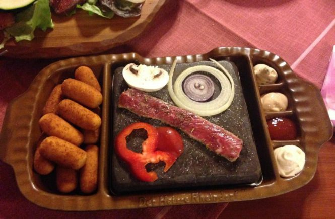 Heißer Stein, gudd gess, Fleisch und Gemüse im Saarland